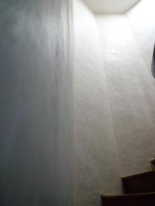 Marmorino-Escalier-BiarritzVeco;construction;eco-construction;mason;professional;earth;straw;stone;hemp;fiber;natural;wood;cellulose;reed;cork;finish;insulation;ecologigue;prestige;crafts;masonry;traditional;environmental;wall;foundation;frontage; coating;ciment;block;rubble;brick;adobe;mud;rammed-earth;rammed;hygrometry;breathable;waterproof;sustainable;healthy;lounge;kitchen;hall;bath;south;west;country;Basque;Venetian;plaster;clay;Italian;Moroccan;lime;plaster;hydrauilic;slacked;cob;renovation;restoration;new;design;creation;panels;flexible;coated;powder;marble;trowel;spatula;marrakech;whitewash;liming;pigments;France;spain;bowl;furniture;architect;product;local;layer;clings;training;cooked;raw;mortar;sand;paving;coating;building;Japanese;casein;soap;black;stone-house;mud-house;straw-house;old;ecological-house;low-consumption;house-passive;greenhouse;green;low;consumption;biological;farm;shower;sink;beautiful;friendly;soft;shiny;decor;energetique;assessment;improves;increase;castle;specialist;specialized;concrete;wax;heritage;historical;history;impermeability;beauty;regulator;basin;vault;column;fungicide;bactericidal;waterproof;console;trowel;wet;climate;temperature;clean;performance;comfort;solid;sound;hygroscopic;gland;matter-first;renewable;matter;reusable;Carbon;thermal;Smooth;rough;hot;cold;dry;limestone;mold;anti;contemporary;art;rules-of-the-art;Bau,oko;Bau;Maurer;okologisch;professionel;Erde;Lehm;Stroh;Stein;Hanffasern;Hanf;Naturholz;Zellulose;Reed;Kork;Finish;Isolierung;Dammung;okologisch;Handwerk;Mauerwerk;traditionell;Umwelt;umweltfreundlich;Wand;Fassade;Beschichtung;Putz;Edelputz;Ziegel;Stampflehm;leichtlehm;Luftfeuchtigkeit;atmungsaktiv;wasserdicht;nachhaltige;gesunde;Lebensraum;Wohnzimmer;Kuche;Bad;Hall;sud;west;baskenland;venezianisch;Stuck;Italienisch;marokkanisch;Handwerk;Kalk;sumpfkalk;Renovierung;Restaurierung;neu;Design;Schopfung;flexible;beschichtete;Puder;Marmor;Marmormehl;Spachtel;Tunche;Kalkung;Frankreich;spanien;Schussel;Möbel;Architekten