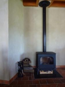 die eigenschaft traditionelle handwerkstechniken mit zeitgen ssischem design zu verbinden. Black Bedroom Furniture Sets. Home Design Ideas